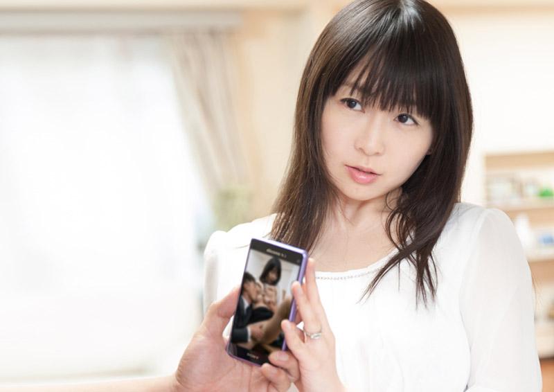 Nozomi #12 弱みを握られた人妻のぞみさん(32)の体験