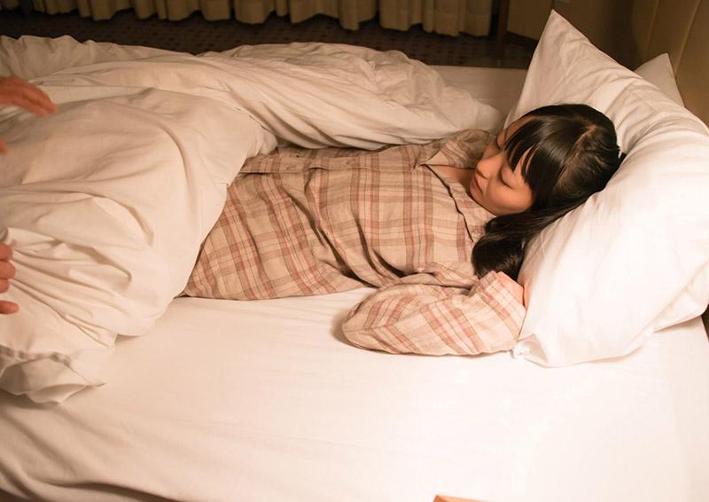 Yuzuki #3 黒髪少女に夜這い