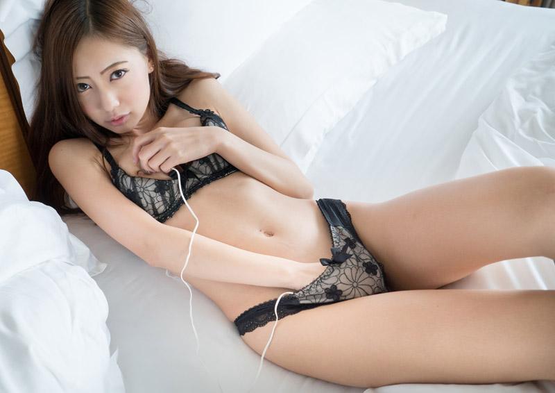 Yuria #2 いつもより感じる二股ローターオナニー
