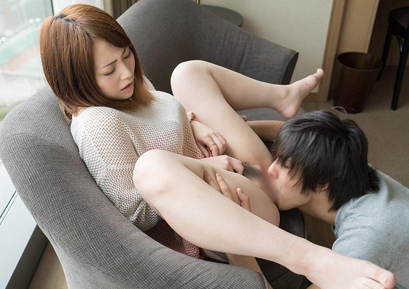 Shiori #2 敏感なクリトリスを攻められる照れクンニ