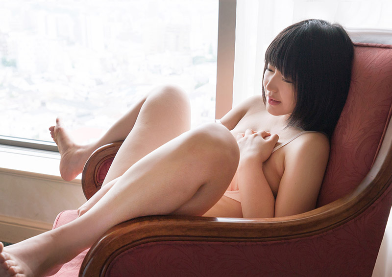 Yuuri #4 パパやママには内緒のバイブオナニー