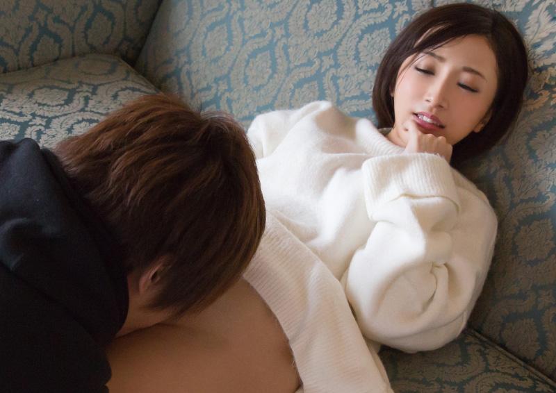 Ayumi #4 だんだん早くなる舌入れクンニ