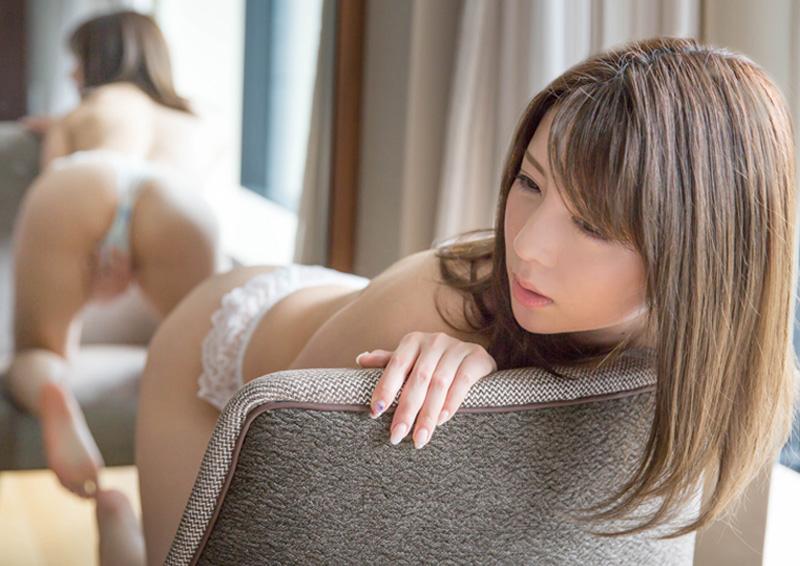 Yuzu #4 鏡に映る自分の姿を見ながら指ズボオナニー