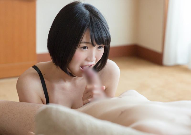 Suzu #3 無垢な瞳でおしゃぶりフェラ