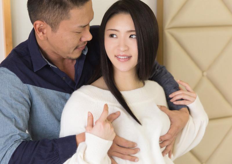 パイパン美少女を奥まで突くSEX Karina
