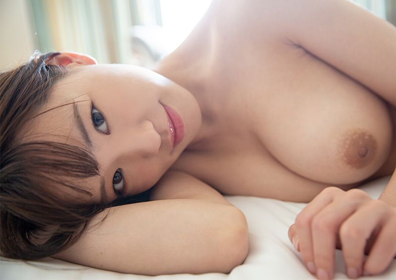 スリムな美体全身で感じるSEX Yoshika