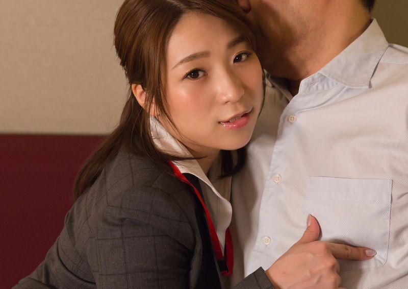 おじさまフェチな美人OLのHな誘惑 Tsubasa
