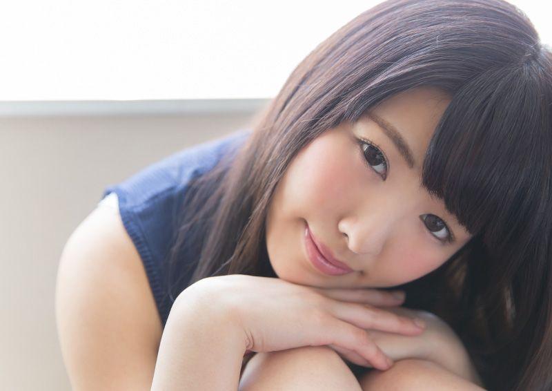 性愛表現豊かにセックスする美少女 Shiori