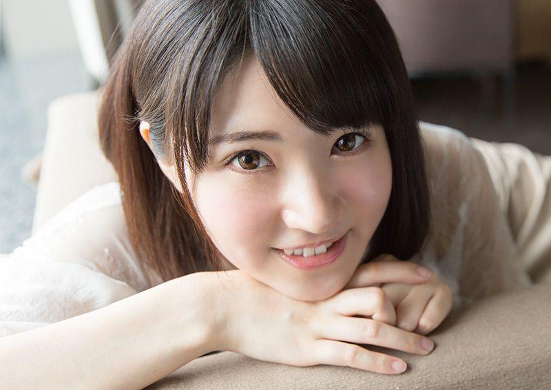 ウブでピュアな美少女のハニカミSEX Hikaru