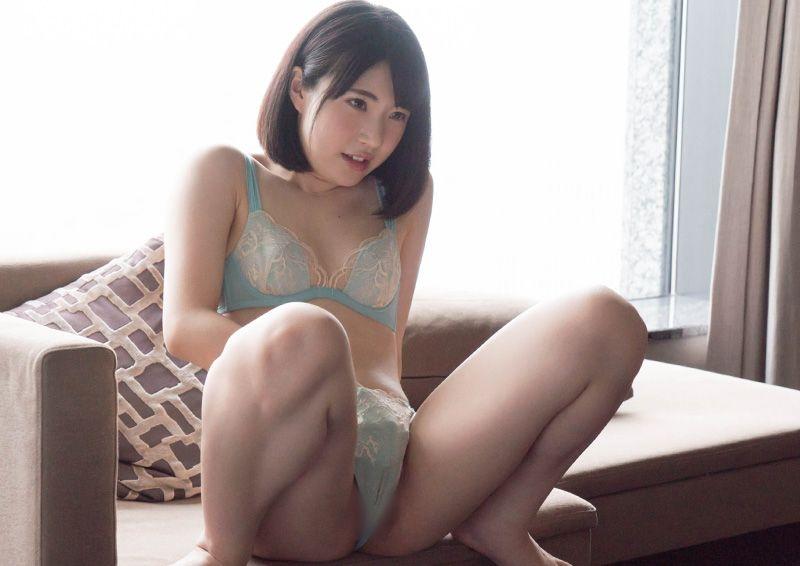 指オナを愉しむ美少女 Hikaru