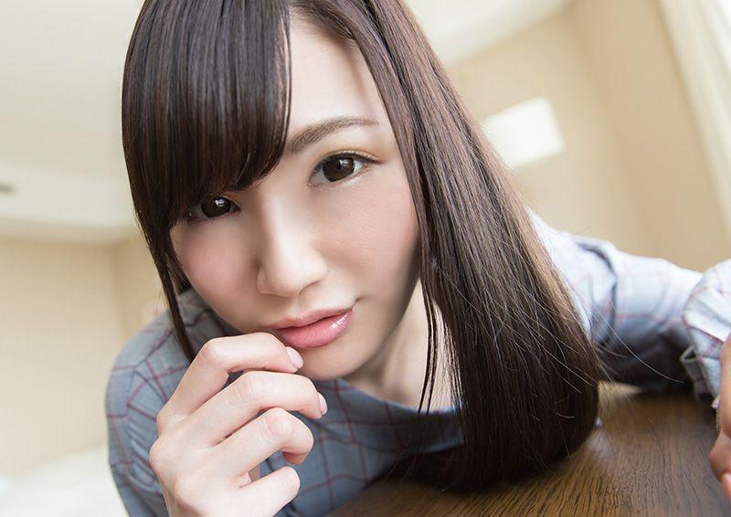 感度高めの美少女のお顔に顔射SEX Mai