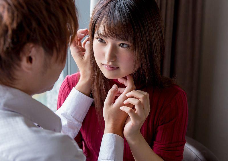 目を合わすのも恥じらう美少女のハニカミH Mitsuki