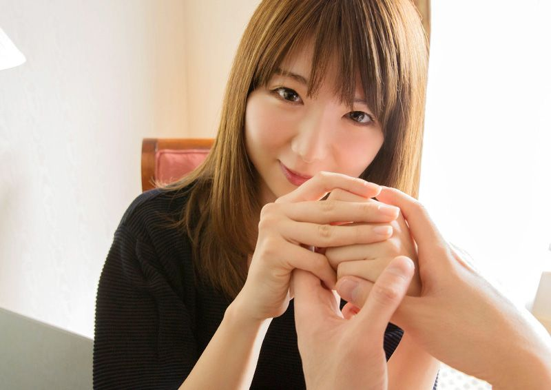 優しく微笑むお姉さんの発情エッチ Nanaho