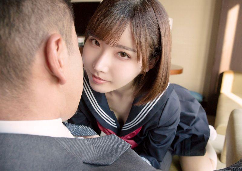 セーラー服美少女のふしだらなお誘いH Eimi